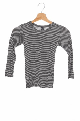 Детска блуза Here+There, Размер 6-7y/ 122-128 см, Цвят Бял, 60% вискоза, 40% полиестер, Цена 13,78лв.