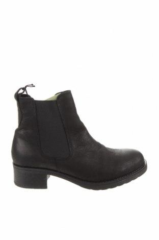 Дамски боти Pavement, Размер 41, Цвят Черен, Естествена кожа, Цена 68,70лв.