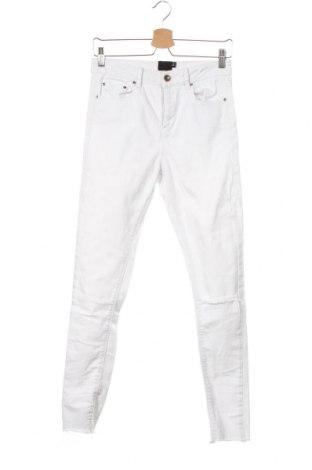 Дамски дънки ASOS, Размер M, Цвят Бял, 98% памук, 2% еластан, Цена 36,00лв.