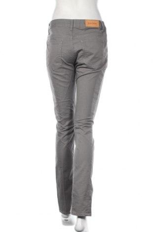 Дамски дънки Acne, Размер M, Цвят Сив, 46% памук, 38% други тъкани, 16% полиестер, Цена 45,92лв.