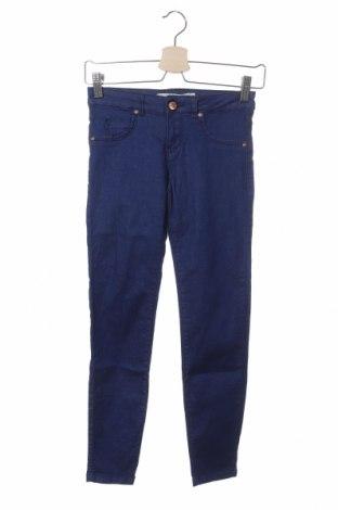 Дамски дънки Bershka, Размер XXS, Цвят Син, 98% памук, 2% еластан, Цена 12,80лв.