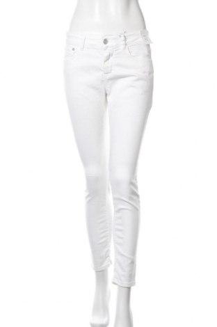 Дамски дънки Closed, Размер M, Цвят Бял, 92% памук, 8% еластан, Цена 49,80лв.