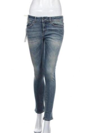 Дамски дънки Dondup, Размер M, Цвят Син, 98% памук, 2% еластан, Цена 201,75лв.