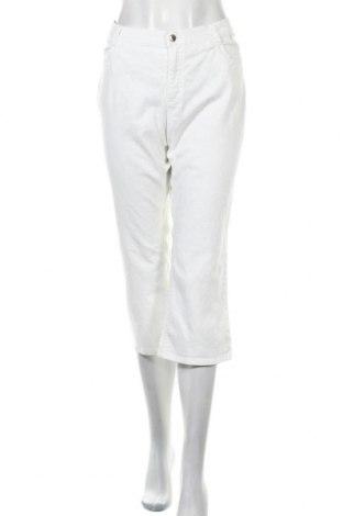 Дамски дънки Escada Sport, Размер XL, Цвят Бял, 98% памук, 2% еластан, Цена 94,50лв.