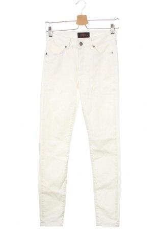 Дамски дънки J.Lindeberg, Размер S, Цвят Бял, Цена 23,35лв.