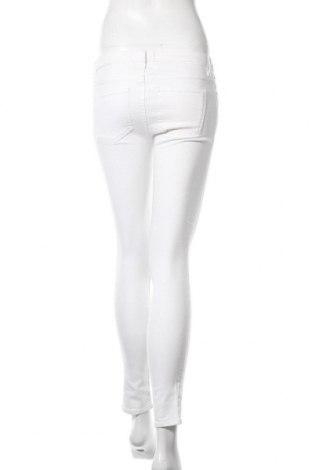 Дамски дънки Liebeskind, Размер S, Цвят Бял, 98% памук, 2% еластан, Цена 19,62лв.