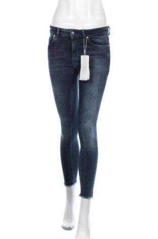 Дамски дънки ONLY, Размер S, Цвят Син, 92% памук, 6% полиестер, 2% еластан, Цена 51,75лв.