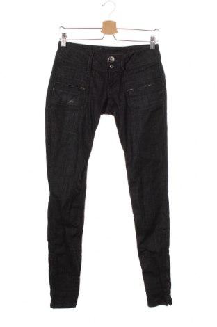 Дамски дънки Pepe Jeans, Размер S, Цвят Черен, 98% памук, 2% еластан, Цена 39,00лв.