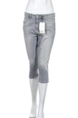 Дамски дънки Q/S by S.Oliver, Размер M, Цвят Сив, 86% памук, 12% полиестер, 2% еластан, Цена 20,47лв.
