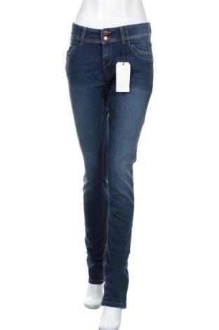 Дамски дънки Q/S by S.Oliver, Размер M, Цвят Син, 78% памук, 21% полиестер, 1% еластан, Цена 25,74лв.