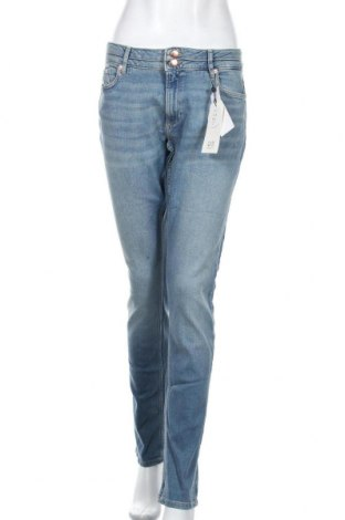 Дамски дънки Q/S by S.Oliver, Размер L, Цвят Син, 99% памук, 1% еластан, Цена 63,00лв.