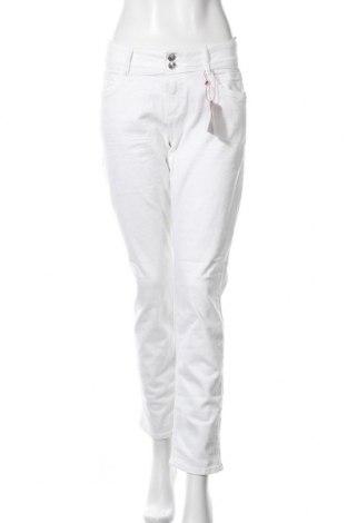Дамски дънки S.Oliver, Размер M, Цвят Бял, 93% памук, 5% полиестер, 2% еластан, Цена 32,67лв.