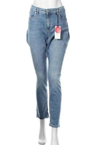 Дамски дънки S.Oliver, Размер XL, Цвят Син, 99% памук, 1% еластан, Цена 58,50лв.