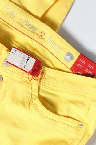 Дамски дънки S.Oliver, Размер L, Цвят Жълт, 97% памук, 3% еластан, Цена 29,37лв.