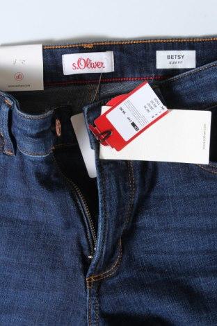 Дамски дънки S.Oliver, Размер S, Цвят Син, 98% памук, 2% еластан, Цена 29,37лв.