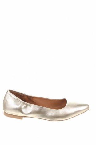 Дамски обувки Copenhagen Shoes, Размер 39, Цвят Златист, Естествена кожа, Цена 76,65лв.