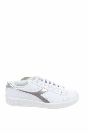 Дамски обувки Diadora, Размер 36, Цвят Бял, Еко кожа, Цена 30,52лв.