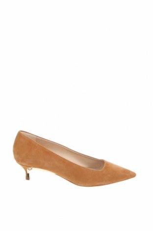 Дамски обувки Furla, Размер 37, Цвят Бежов, Естествен велур, Цена 142,25лв.