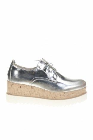 Дамски обувки Tamaris, Размер 41, Цвят Сребрист, Еко кожа, Цена 58,90лв.