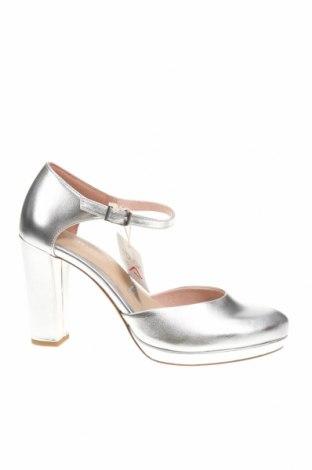 Дамски обувки Tamaris, Размер 40, Цвят Сребрист, Еко кожа, Цена 38,64лв.