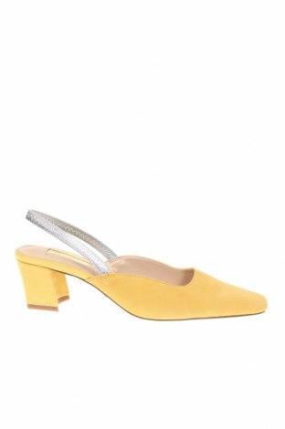 Дамски обувки Topshop, Размер 37, Цвят Жълт, Естествен велур, Цена 35,55лв.
