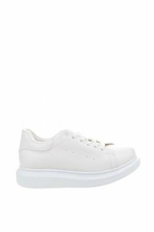 Дамски обувки NLY, Размер 40, Цвят Бял, Еко кожа, Цена 44,16лв.