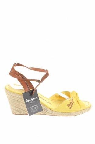 Сандали Pepe Jeans, Размер 40, Цвят Жълт, Текстил, естествена кожа, Цена 47,00лв.