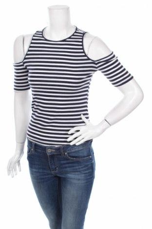 Дамска блуза Abercrombie & Fitch, Размер S, Цвят Бял, 47% полиестер, 48% памук, 5% еластан, Цена 17,10лв.