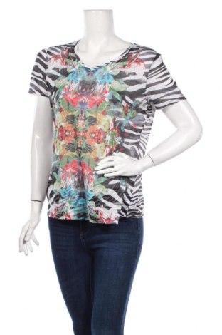 Дамска тениска G.W., Размер M, Цвят Многоцветен, Цена 6,60лв.