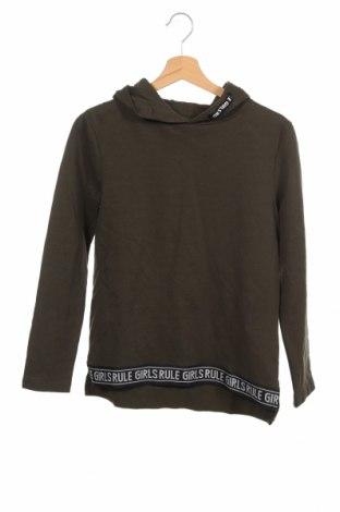 Детска блуза Here+There, Размер 12-13y/ 158-164 см, Цвят Зелен, 80% памук, 20% полиестер, Цена 4,73лв.