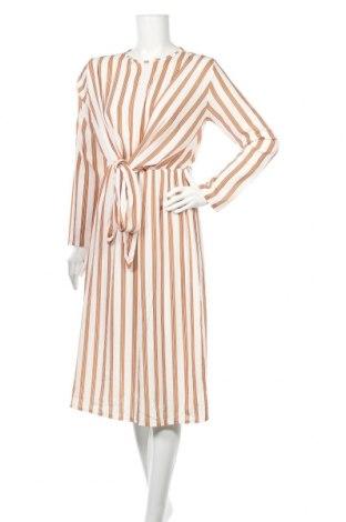 Sukienka Boohoo, Rozmiar M, Kolor Kolorowy, 97% poliester, 3% elastyna, Cena 81,60zł