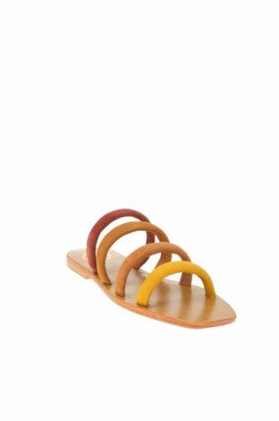 Чехли W.S Shoes, Размер 38, Цвят Многоцветен, Естествен велур, Цена 45,54лв.