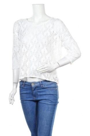Дамска блуза Free Quent, Размер M, Цвят Бял, 90% вискоза, 10% еластан, Цена 8,57лв.