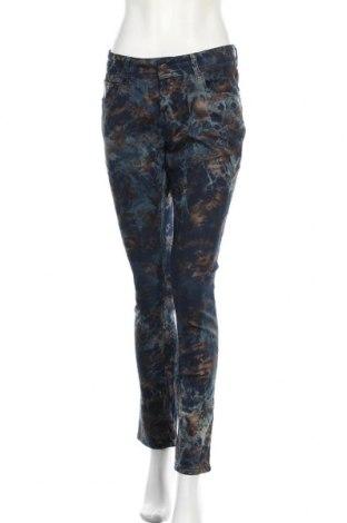 Дамски дънки, Размер M, Цвят Многоцветен, 97% памук, 3% еластан, Цена 31,19лв.