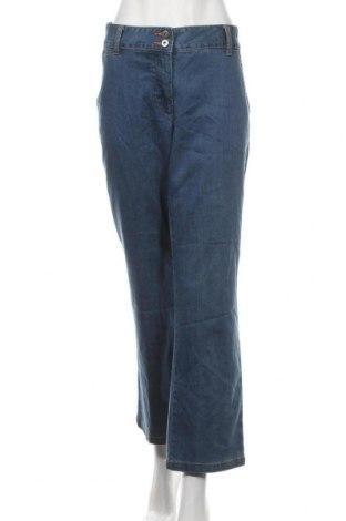 Дамски дънки, Размер L, Цвят Син, 80% памук, 19% полиестер, 1% еластан, Цена 6,56лв.