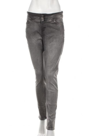 Дамски дънки, Размер M, Цвят Сив, 77% памук, 14% полиестер, 7% вискоза, 2% еластан, Цена 18,43лв.