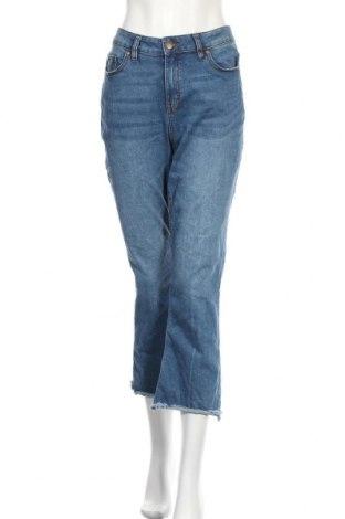 Дамски дънки, Размер L, Цвят Син, 62% памук, 23% полиестер, 13% вискоза, 2% еластан, Цена 7,35лв.