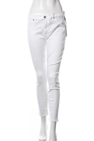 Дамски дънки 7 For All Mankind, Размер L, Цвят Бял, 85% памук, 11% полиестер, 4% еластан, Цена 50,37лв.