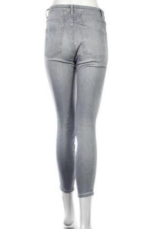 Дамски дънки Closed, Размер M, Цвят Сив, 97% памук, 3% еластан, Цена 23,90лв.