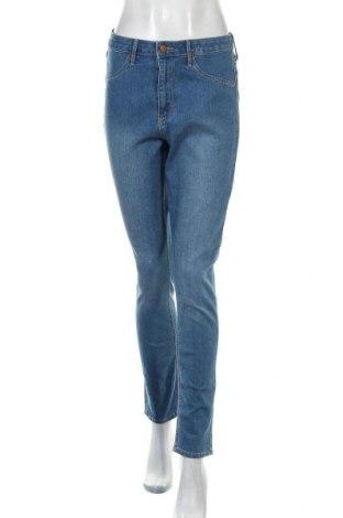 Дамски дънки H&M, Размер M, Цвят Син, 65% памук, 23% полиестер, 11% вискоза, 1% еластан, Цена 24,00лв.