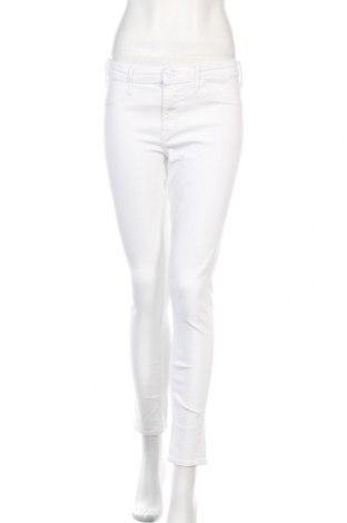 Дамски дънки H&M, Размер L, Цвят Бял, 80% памук, 18% полиестер, 2% еластан, Цена 27,00лв.