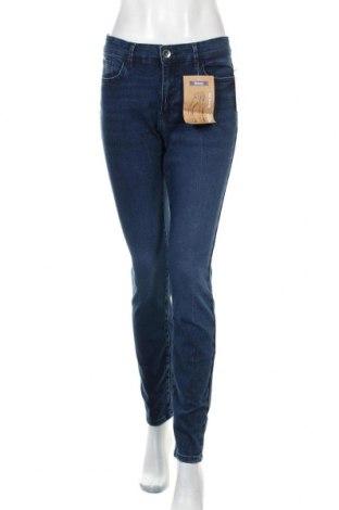 Дамски дънки Janina Denim, Размер L, Цвят Син, 82% памук, 16% полиестер, 2% еластан, Цена 41,90лв.