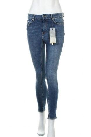 Дамски дънки ONLY, Размер M, Цвят Син, 92% памук, 6% полиестер, 2% еластан, Цена 42,00лв.