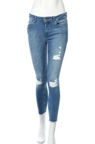 Дамски дънки ONLY, Размер M, Цвят Син, 92% памук, 6% други тъкани, 2% еластан, Цена 46,50лв.