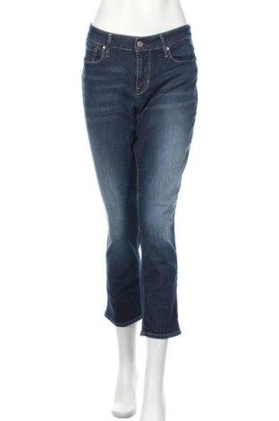 Дамски дънки Signature By Levi Strauss & Co, Размер L, Цвят Син, 81% памук, 17% полиестер, 2% еластан, Цена 10,66лв.