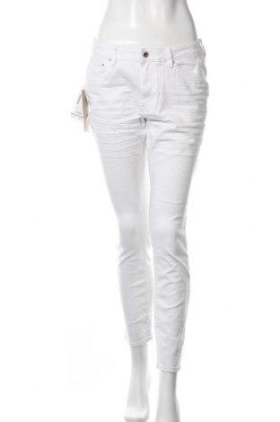 Дамски дънки Tom Tailor, Размер L, Цвят Бял, 98% памук, 2% еластан, Цена 21,78лв.