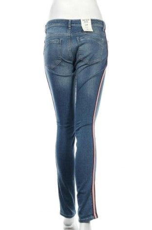 Дамски дънки Tom Tailor, Размер M, Цвят Син, 98% памук, 2% еластан, Цена 26,70лв.