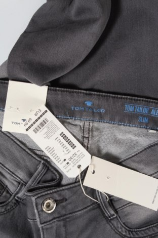 Дамски дънки Tom Tailor, Размер L, Цвят Сив, 82% памук, 17% полиестер, 1% еластан, Цена 22,08лв.