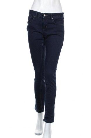Дамски дънки Tom Tailor, Размер M, Цвят Син, 35% лиосел, 35% памук, 28% полиестер, 2% еластан, Цена 61,50лв.