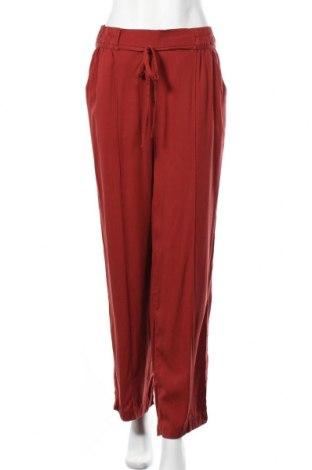 Дамски панталон Tom Tailor, Размер S, Цвят Червен, 63% лиосел, 37% вискоза, Цена 21,95лв.